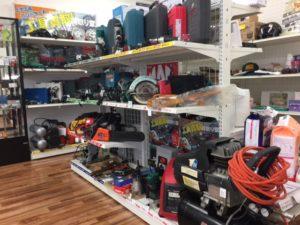 店内工具棚
