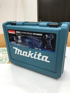 買取り堂 マキタ インパクトドライバー TD134DSHX 箱