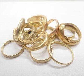 18金のリング